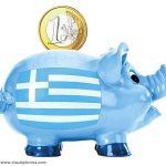 Companiile şi populaţia continuă să-şi retragă banii din băncile greceşti. Depozitele bancare au ajuns la cel mai scăzut nivel din 2006