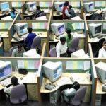 DTZ: Angajații români, printre cei mai înghesuiți europeni