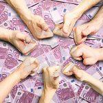 Parlamentul Greciei a aprobat programul de schimb de obligaţiuni cu creditorii privaţi