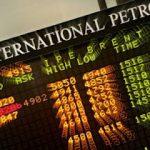 Cotaţia petrolului în urcare, după ce Iranul a anunţat oprirea exporturilor în şase ţări din UE