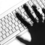 Terorismul răspândit online, sub lupa Europol. De ce intră teroriștii pe internet