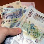 Salarial mediu a crescut în februarie la 1.472 lei