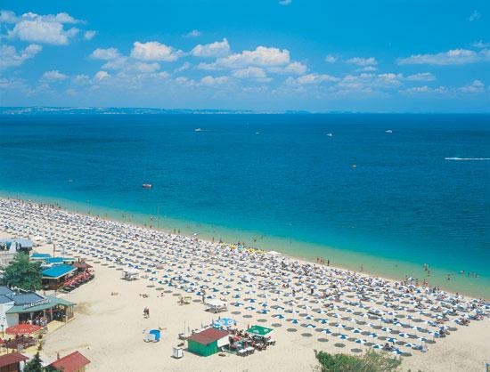 Beach-at-Golden-Sands