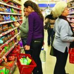 Ungurii vin să-şi facă cumpărăturile în România