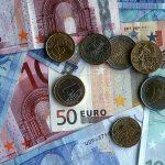 Băncile mizează tot pe euro
