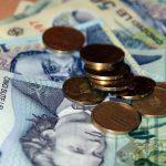 Guvernul discută limitarea salariilor personalului din companiile de stat