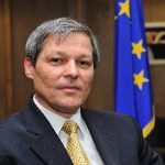 Comisarii europeni Dacian Cioloș și Johannes Hahn vin în România