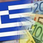 Grecii încep să-şi ducă din nou banii la bănci