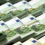 Spania ar putea forţa investitorii privaţi să participe la salvarea băncilor