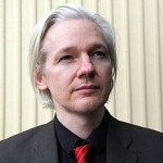 Anonymous susține că a spart site-ul Interpol pentru a-l sprijini pe Julian Assange