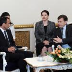Engleza lui Crin Antonescu, pusa la grea incercare. S-a descurcat mai bine cu trimisul din SUA al lui Obama, decat cu delegatia FMI? VIDEO