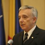 Guvernatorul Mugur Isărescu, către guvernanţi, despre beneficii în anul electoral: Să dea câte puţin, cu prudenţă