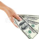 Sondaj: Jumătate din tineri se aşteaptă ca primul salariu să fie sub 1.000 de lei pe lună