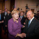 Băsescu o felicită pe Merkel pentru victoria în alegeri