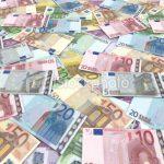 Accesări ilegale de bani europeni. Peste 30 de percheziţii, inclusiv la Ministerul Fondurilor Europene