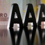 Comisia impune un set dur de reguli agențiilor de rating considerate vinovate pentru criza datoriilor de stat