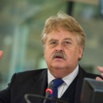 """Elmar Brok, europarlamentarul care a propus amprentarea imigranţilor: """"Reproşul lui Ponta se va întoarce împotriva lui"""""""
