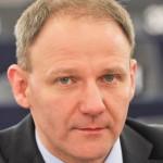 """Vicepreşedinte polonez al Parlamentului European, reţinut după ce i-a făcut """"nazişti"""" pe vameşii germani"""