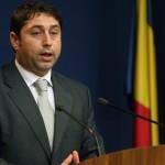 Cristian David, ministrul liberal pentru romanii de pretutindeni, acuzat de DNA ca ar fi incercat sa ascunda 60.000 euro in declaratia de avere. David a demisionat din PNL