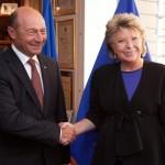 Reding, despre summitul dedicat rromilor: Faptul că președintele român a fost la summit arată că România este parte a soluției, nu a problemei