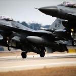 Polonia pregătește patru avioane F-16 pentru lupta împotriva grupării teroriste Stat Islamic