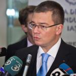 Ungureanu: Nu renunţ la candidatura la Preşedinţie. Decizia PNL şi PDL este suverană