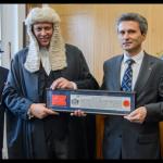 """Ambasadorul României în Marea Britanie a primit distincţia """"The Freedom of the City of London"""""""