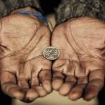 Unul din cinci români se confruntă cu sărăcia. Guvernul vrea să scadă numărul lor cu 400.000 până în 2020