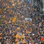 Situație tensionată în Spania. Peste 700 de primari din Catalonia au ieșit în stradă pentru a-și arăta hotărârea de a organiza referendumul pentru independență