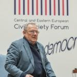 "Adam Michnik: ""Societatea civila reprezinta painea si vinul democratiei"""