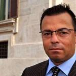 """Eurodeputat italian: Nu îmi pasă de sinuciderea """"superinfractorului"""" român. S-au economistit bani. Aş fi mulţumit doar dacă toţi românii din Italia ar reveni acasă"""