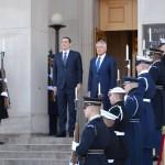 Premierul Victor Ponta, la Pentagon. Ce a discutat cu secretarul Apărării