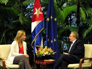 Mogherini - Raul Castro