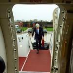 John Kerry a doborât recordul lui Hillary Clinton: Șeful diplomației americane a petrecut mai multe ore în zbor decât predecesoarea sa