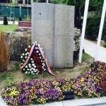 """Institutul Social Democrat """"Ovidiu Șincai"""" a depus coroane de flori la Monumentul Eroilor din al Doilea Război Mondial"""