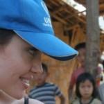 """Angelina Jolie vorbește despre o """"explozie de suferință"""" după vizitarea unei tabere de refugiați din Turcia"""