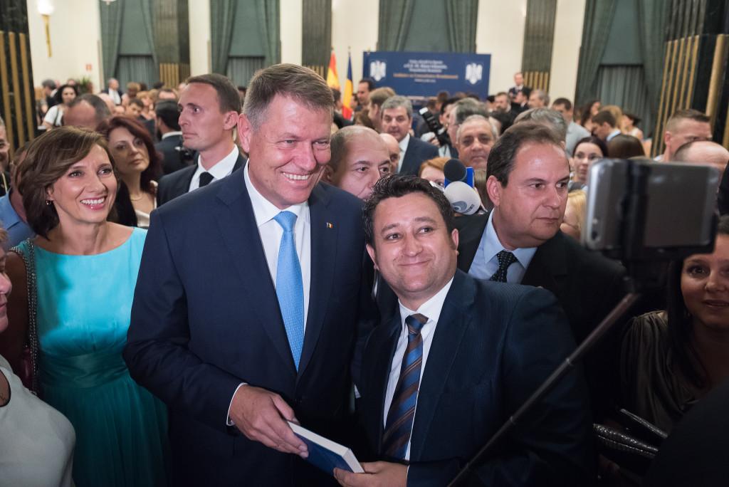 Foto: Klaus Iohannis, întâlnire cu reprezentanți ai comunității de români din Spania. (presidency.ro)