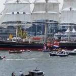 Galerie FOTO&VIDEO. Unul dintre cei mai cunoscuți jurnaliști români, Lucian Mîndruță, participă la cel mai mare spectacol naval din lume – SAIL Amsterdam
