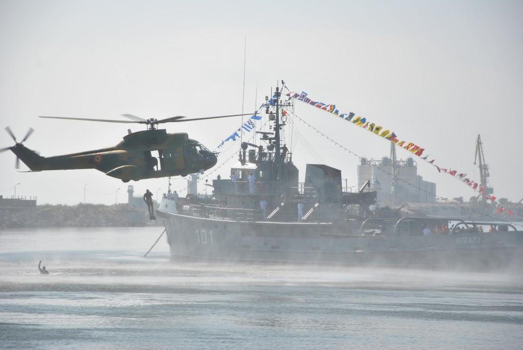 http://www.navy.ro/