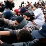Franța continuă procedurile de închidere a taberei ilegale de refugiați de la Calais