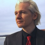 Fondatorul WikiLeaks: Până și un adolescent ar fi putut să acceseze contul de e-mail al șefului de campanie al lui Hillary Clinton