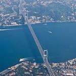 UPDATE: Alertă pe Podul Bosfor din Istanbul, din cauza unei maşini abandonate care rămăsese fără benzină