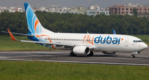 A6-FDD_Boeing_737-800_Flydubai_Lined_Up_for_Take_Off_(8305312353)