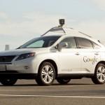 Premieră: O maşină fără şofer de la Google a lovit un autobuz