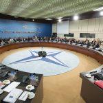 """Donald Trump, după întâlnirea cu Angela Merkel: Germania datorează """"sume imense de bani"""" NATO"""