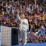 SONDAJ: Hillary Clinton îl devansează cu 7% pe Donald Trump, după Convenția Democrată