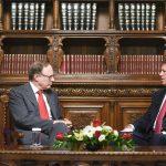 Klaus Iohannis: Este necesară o combatere mai eficientă la nivel NATO a războiului informațional