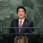 Alegeri în Japonia: Premierul Shinzo Abe obține o victorie detașată pe fondul amenințării nord-coreene și care îi poate permite modificarea constituției pacifiste a țării