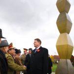 FOTO. Klaus Iohannis şi Dacian Cioloş au participat la ceremoniile de la Târgu-Jiu dedicate eroilor din 1916