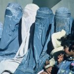 Austria interzice purtarea vălului islamic în spațiul public